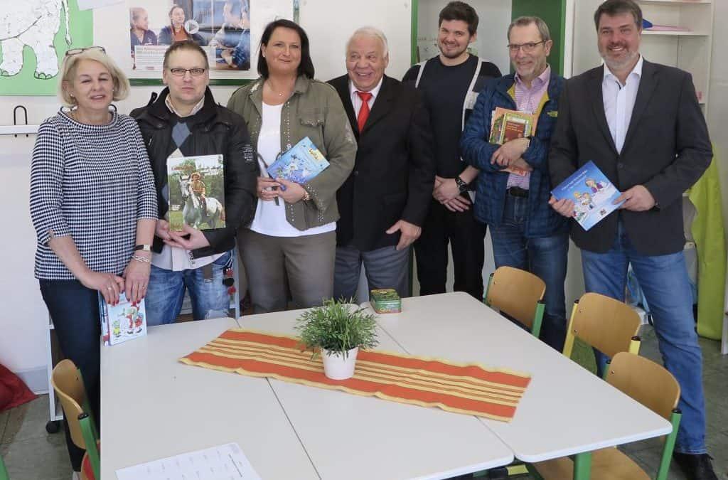 Bußmannstiftung spendet 1000 EUR für die neue Schulbücherei