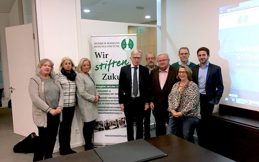 Neue Wege zur Stiftung: Die Heinrich-Bußmann-Bildungs-Stiftung hat ihren Online-Auftritt überarbeitet.